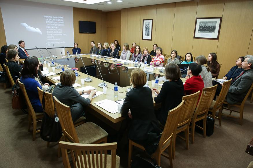 Lietuvoje nesprendžiamos nėščių moterų, atsidūrusių krizėje, problemos